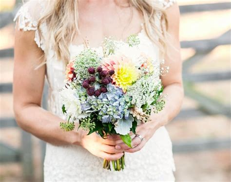 Wedding Bouquet Tradition by Bouquet Guide To Wedding Traditions I Do Au