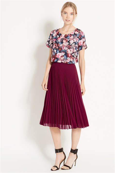 oasis pleated chiffon midi skirt in purple lyst