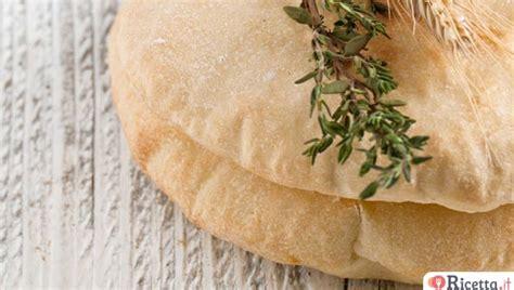 come fare il pane azzimo in casa come fare i panini al latte ricetta it