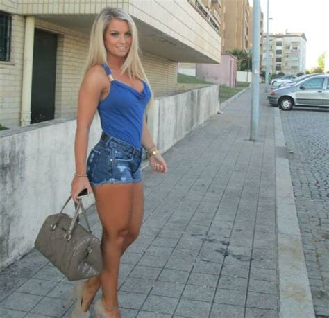 hot sexy girls pictures hot girls out and about in the streets 42 pics