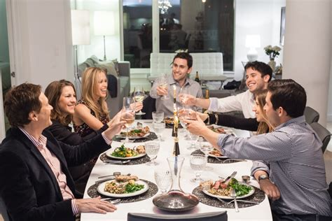 host a dinner party kitchensurfing dinner party fashionable hostess