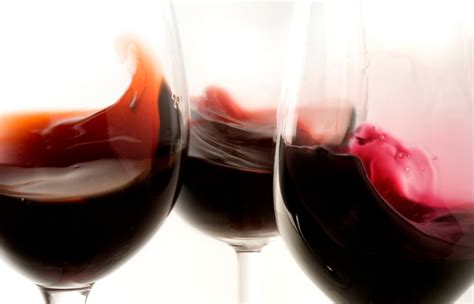 bicchieri di vino rosso vino rosso agli americani piace sardo wine spectator