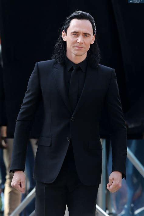 black loki tom hiddleston as loki on the set of thor ragnarok in