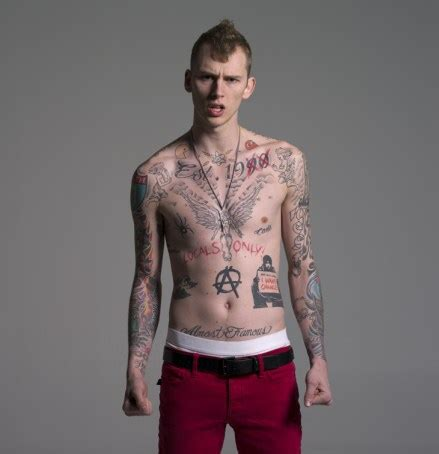 machine gun kelly tattoos machine gun comes to looney tunes looney tunes