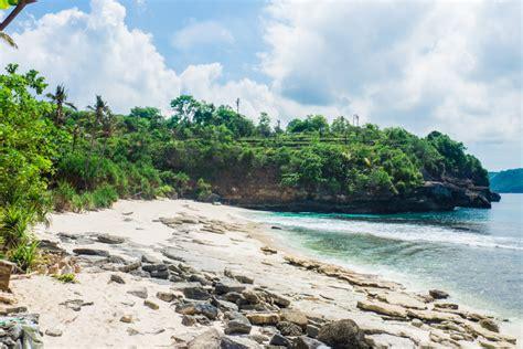 secret beach   stay  nusa ceningan sunshine