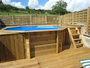 comment monter une piscine en bois