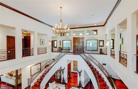 forest whitaker daily mail forest whitaker s hollywood hills estate is on the market