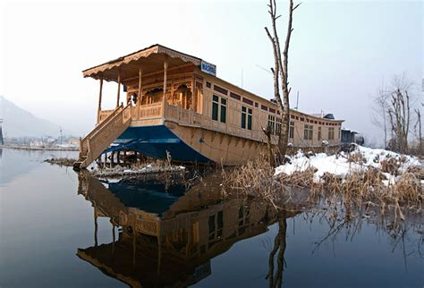 boat house kashmir boat house kashmir 28 images cheapest to africa free la roque gageac kashmir houseboats