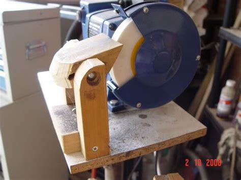 chisel sharpening jig bench grinder bench grinder image search and benches on pinterest