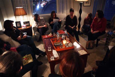friends living room posts herecup