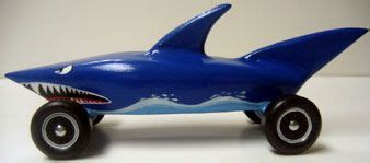 pinewood derby shark template 1000 images about scouts on blue gold