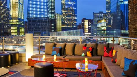 Bars With Rooms Nyc by Top 10 Best Rooftop Bars In New York City The Luxury