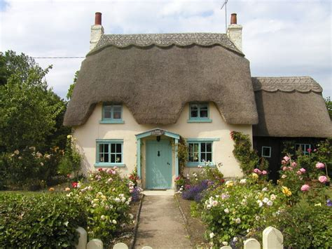 Cottage In honington cottage 169 brightley cc by sa 2 0 geograph britain and ireland