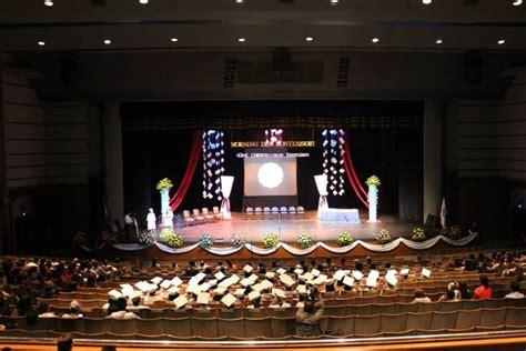 graduation stage design snowflakes chandelier