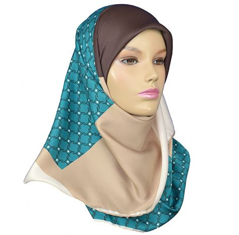 Square Hijup 17 best images about square hijabs from www hijabnow on beautiful satin and