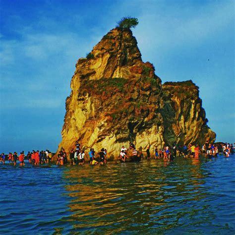 wisata sawarna pesona pantai eksotik  daerah terpencil