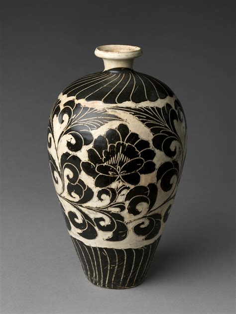 vase  peony scroll china northern song dynasty