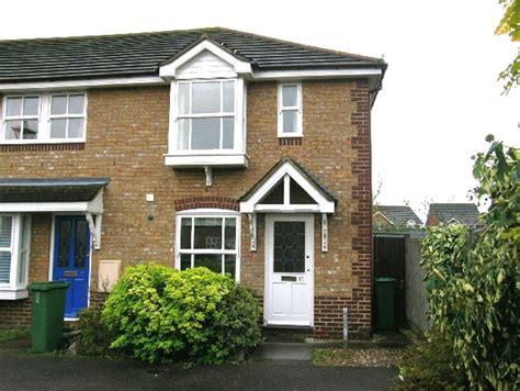 2 bedroom house to rent in aylesbury 2 bedroom house to rent in watermead aylesbury buckinghamshire hp19