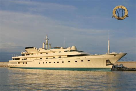 donald trump yacht donald trump s yacht trump princess special features