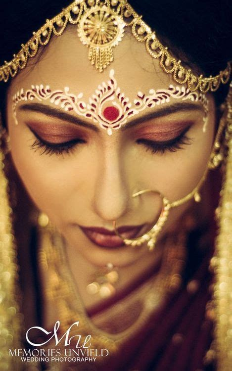 Best 25  Bengali bridal makeup ideas on Pinterest