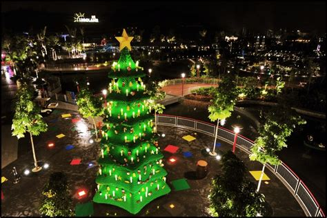 most spectacular christmas trees in the world ealuxe com