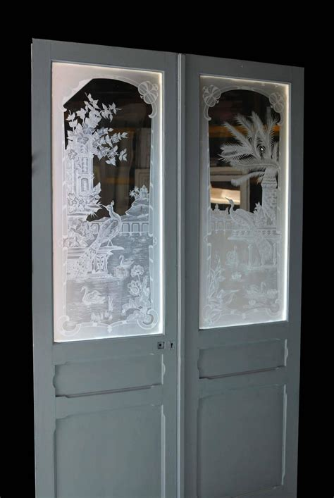 Pair Of Antique French Etched Glass Doors At 1stdibs Antique Glass Doors