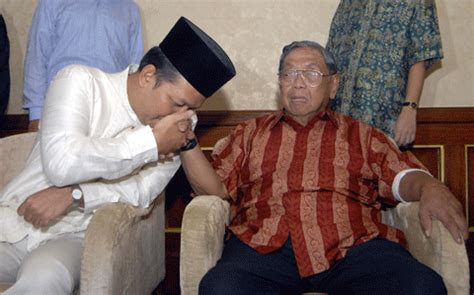 Tradisi Orang Orang Nu Lkis tradisi cium tangan oleh luqman firmansyah kompasiana