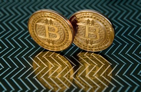 bitcoin india bitcoin surge continues crosses 2100 mark techstory