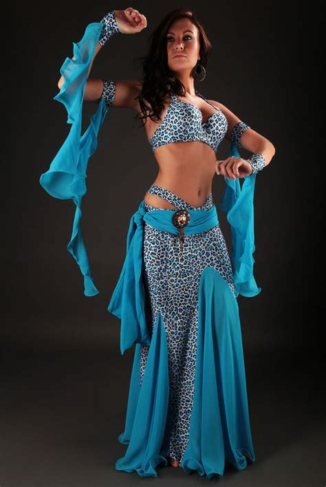 Costume danse orientale Azadeh : On sort ces griffes et on