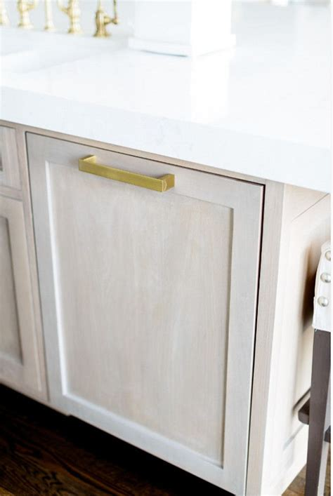 kitchen cabinet knobs cheap hardware oak finished white 46 best images about kitchen hardware on pinterest
