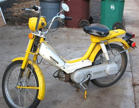 1978 honda hobbit 1978 honda hobbit yellow moped photos moped army