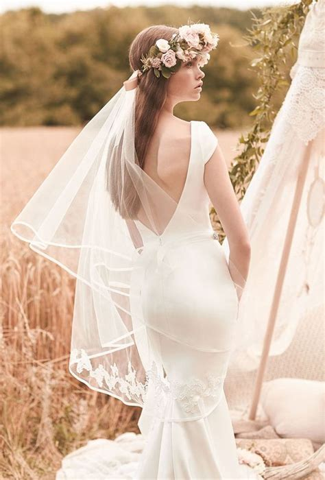 Wedding Hairstyles With Lace Veil by 36 Beautiful Hairstyles To Rock With Veils Weddingomania
