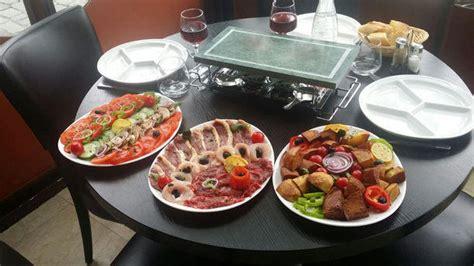 cuisine pierrade restaurant l 201 poque 224 75010 buttes chaumont
