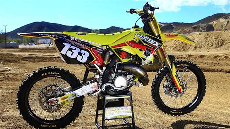 motocross action online suzuki rm125 2 stroke project build shaken not stirred