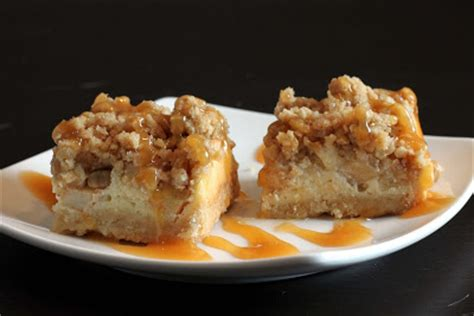 caramel apple cheesecake bars with streusel topping sugar cooking caramel apple cheesecake bars with streusel topping