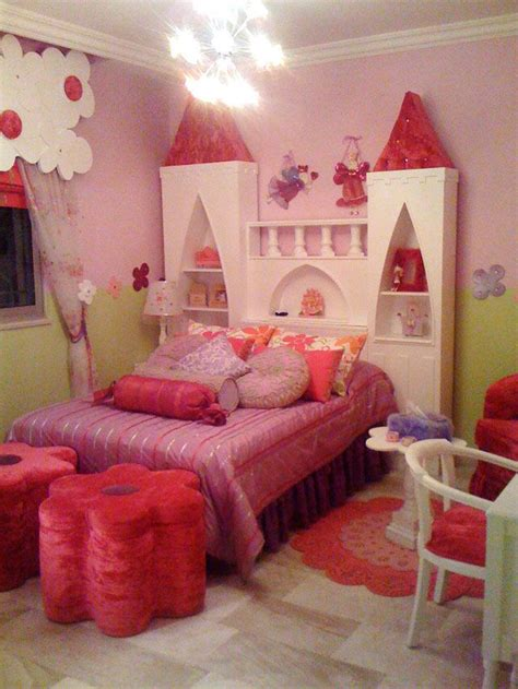 Castle Headboard by 15 Cool Castle Beds For Princess