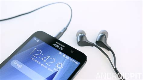 Headset Ori Asus Zenfone 2 asus zenfone 2 review rambunctious hardware reviews