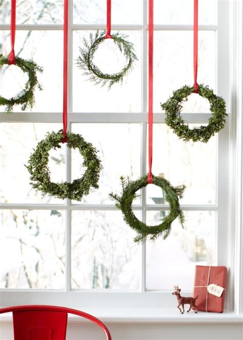 Wreaths In Windows Inspiration Decor Ideas For Kitchen Window Wreaths Decorating Ideas Table Decorating
