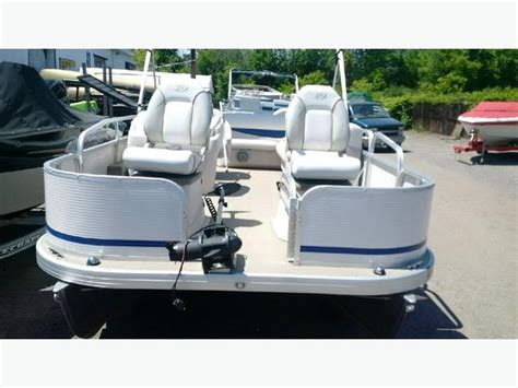pontoon boat seats toronto pontoon boat princecraft sportfish 20 central ottawa