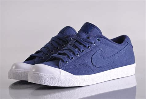 Nike Curt Side nike all court canvas low quickstrike printemps 2010 le