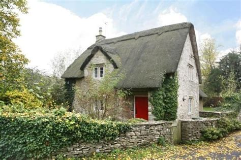 cottages for sale in wiltshire 1000 images about thatched cottages ll on