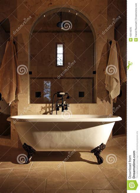 Retro Bathtub by Retro Claw Foot Bathroom Tub Royalty Free Stock Image