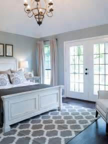 Grey And White Home Decor by Best 25 White Grey Bedrooms Ideas On Pinterest