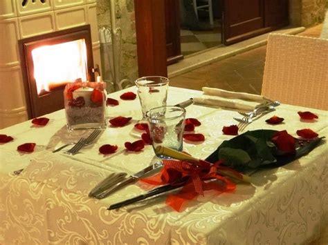 cena romantica a lume di candela cena romantica a lume di candela al ristorante romantico