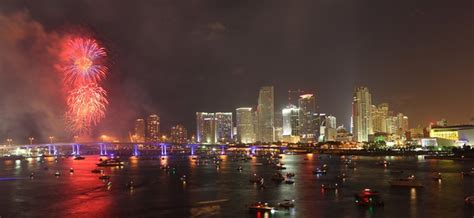 fireworks new years miami where to new year s 2017 fireworks in miami