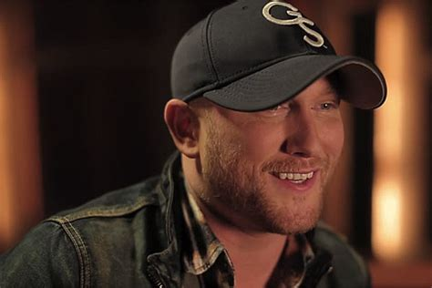 brought to you by beer cole swindell cole swindell relives wild college days in brought to you