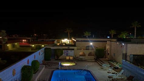 theme hotel yucca valley abvi oasis of eden yucca valley ca hotels near joshua tree
