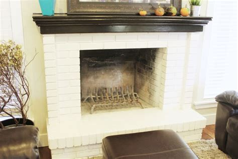 designing around a fireplace how to decorate a living room simply and stylishly