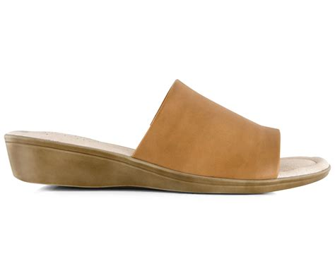 Hush Puppies Jaffa Slide hush puppies s coco leather slide caramel great daily deals at australia s favourite