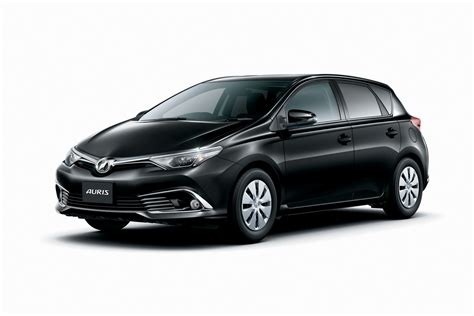 toyota auris facelifted toyota auris goes on sale in japan carscoops com
